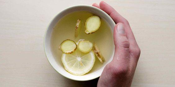 bere acqua calda e limone benefici