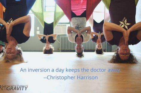 Antigravity Yoga: Benefici dello yoga in volo