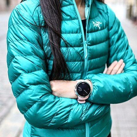 Orologio sportivo color cipria