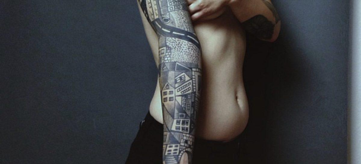 Tatuaggi femminili: Basta donne con tatuaggi brutti!