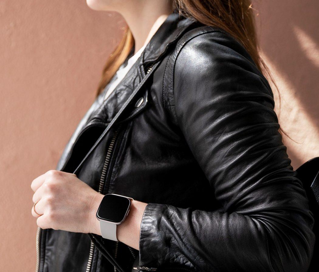 Design molto bello per Fitbit Versa 2